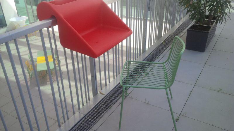 Pedrali Nolita outdoor chair, Rephormhaus Balkonzept korlátra rögzíthető virágtartó + laptop asztalka