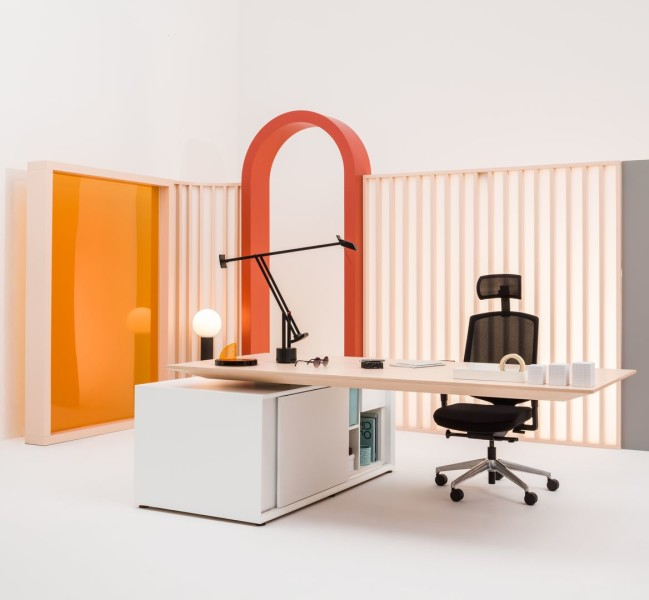 executive-desk-GRAVITY-MDD-5