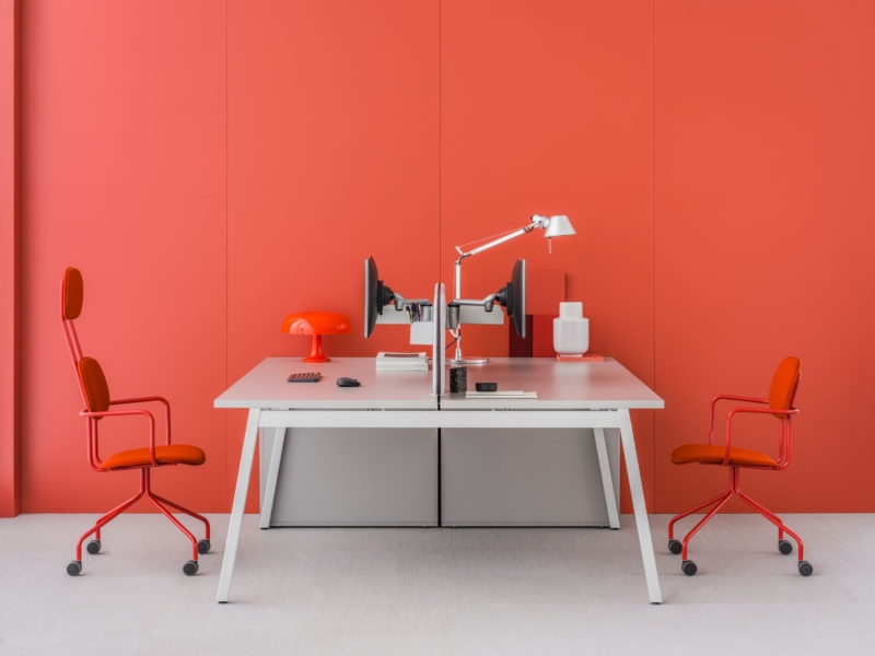 workstation-desk-ogi_m-mdd-1-1